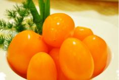 黄柿子和红柿子有什么区别 黄柿子和红柿子是同一种吗