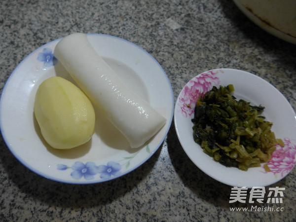 雪菜土豆煮年糕的做法