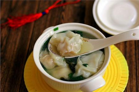 鲜虾鸡汤馄饨的做法