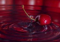 樱桃汁怎么洗?四种快速清除衣服上樱桃汁的方法