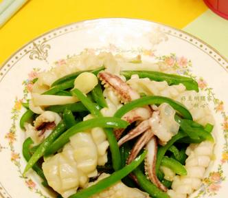 年夜饭美食推荐 青椒炒鲜鱿