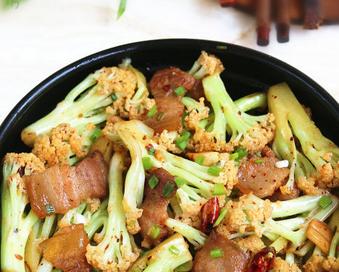 咸肉花菜干锅的家常做法