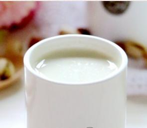 开心果松仁豆浆的家常做法