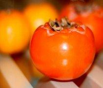 【生柿子能吃吗】生柿子怎么吃_生柿子怎么捂熟_生柿子的功效与作用