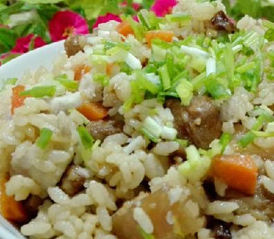 红烧肉焖饭的家常做法