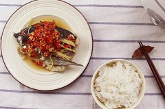 剁椒鱼头套餐的做法