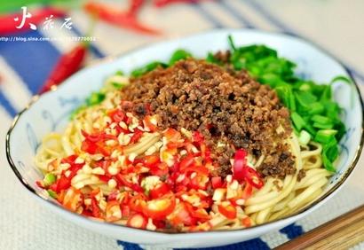 生椒干煸牛肉面的家常做法