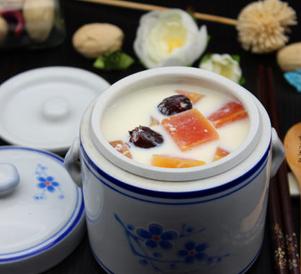 木瓜红枣炖奶的家常做法