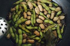 五香毛豆花生的做法