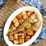 黄鱼烧豆腐的做法