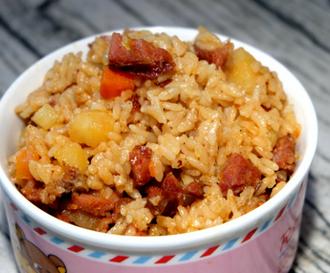 香肠土豆焖饭的家常做法