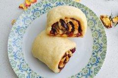 中式红枣葡萄卷的做法