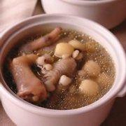 扁豆薏米炖鸡爪的做法